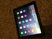 Apple iPad 3 16GB Black White WiFi MC705LL/A